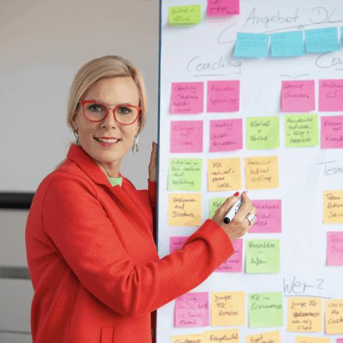 anika tannebaum Leadership und Customer Service Expert